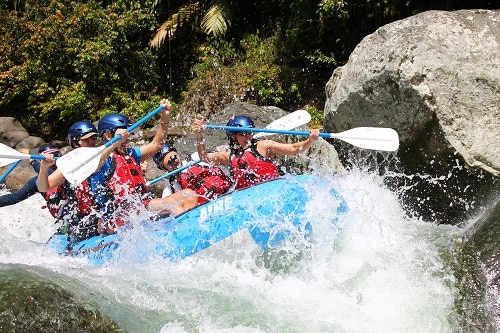Costa Rica Rios Adventure Vacation White Water Rafting in Costa Rico Rapids.