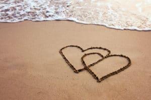 Hearts in the sand - Costa Rica honeymoon